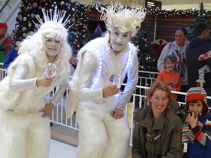 Christmas Juggling Ice People Act